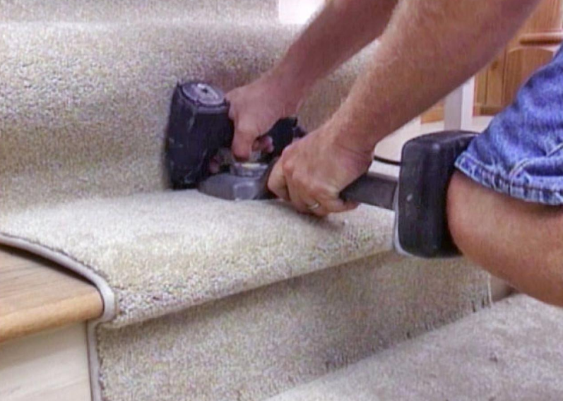 How to appropriately perform the process of cleaning carpet edges